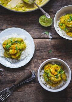 Shrimp with green curry & coconut milk Seafood Dishes, Fish And Seafood, Seafood Recipes, Cooking Recipes, Cooking Ham, Asian Recipes, Healthy Recipes, Ethnic Recipes, Coco Curry