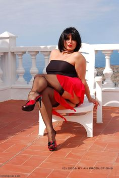 Amanda posing in black ff nylons and mules Gorgeous Feet, Beautiful, Tacos, Fully Fashioned Stockings, Angela White, Nylons Heels, Stockings Legs, Action Poses, Nice Legs