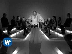 Irene Grandi - Sono come tu mi vuoi (videoclip) - YouTube