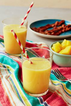 Cooking Like HGTV's Joanna Gaines Basically Demo'ed My Diet- pineapple  mango smoothie