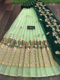 Party Wear Indian Dresses, Indian Bridal Outfits, Indian Bridal Fashion, Indian Fashion Dresses, Bridal Dresses, Half Saree Lehenga, Lehenga Saree Design, Lehenga Designs, Saree Blouse Designs