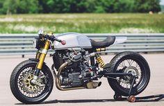 The best Honda CX500 Cafe Racer >>> BT-01 by Blacktrack Motors. Si quieres tener una moto clásica llena de estilo y disfrutar de componentes contemporáneos blacktrackmotors.com                                                                                                                                                                                 Más