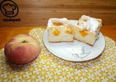 Puha őszibarackos sütemény | Fehér Katica receptje - Cookpad receptek Apple, Fruit, Recipes, Food, Desserts, Kuchen, Apple Fruit, Tailgate Desserts, Deserts