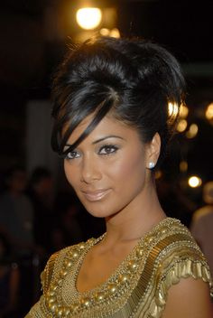 Nicole Scherzinger, nude lipstick with french twist hair Mtv, Nicole Scherzinger Hair, Special Occasion Hairstyles, Beauty Shop, Hairstyles With Bangs, Hair Dos, Pretty Face, Her Hair, Beauty Women