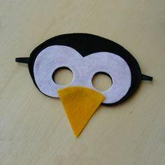 Masque en feutrine en forme de tête de pingouin sur la boutique Etsy de Mahalo