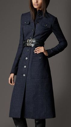 Links to some very nice Burberry coats. Latest Outfits, Fashion Outfits, Womens Fashion, Winter Coats Women, Coats For Women, Burberry Winter Coat, Blazers, Burberry Outfit, Stylish Coat