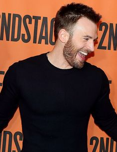 I don't wike it — beardedchrisevans: Chris Evans attends the...