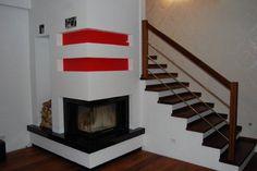 kominek-przy-schodach_1680459.jpg (700×466)