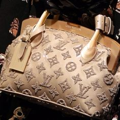Louis Vuitton Handbags For 2015 LV Handbags Outlet Lowest Prices From Here Shop Now! Louis Vuitton Handbags, Purses And Handbags, Louis Vuitton Monogram, Handbags Online, Tote Handbags, Brahmin Handbags, Stylish Handbags, Guess Handbags, Leather Handbags