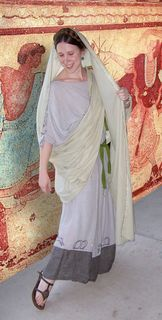 Gorgeous Roman garb. This is a fantastic website, she does a lot of research.