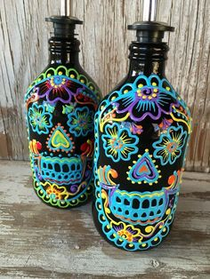 glow in the dark sugar skulls- so easy to make.