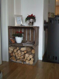 Oppbevaring av ved ute Decor, Wood Storage, Furniture, Wood, House, Crates, Table, Entryway Tables, Home Decor