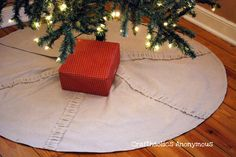 A Christmas tree skirt made from a drop cloth! #diy #holiday | From Craftoholics Anonymous
