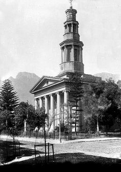 St. George's Cathedral 1894| Flickr - Photo Sharing! Old Pictures, Old Photos, Vintage Photos, Old Time Religion, St George's, Desert Life, Cape Town South Africa, Most Beautiful Cities, Old Buildings