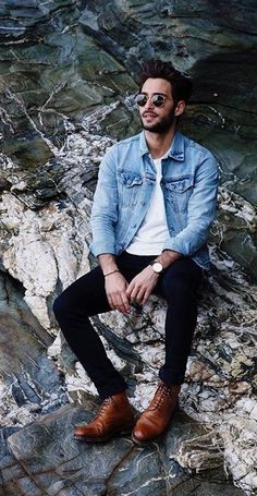 Light Blue Jeans Outfit, Blue Jean Outfits, Blue Denim Jacket Outfit, Looks Cool, Men Looks, Komplette Outfits, Fashion Outfits, Travel Outfits, Casual Outfits