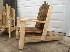 Nice Pallet Chair For Outdoor Use  #garden #outdoor #palletchair #recyclingwoodpallets Here is my take on a super comfortable chair made from recycled pallets.  ...