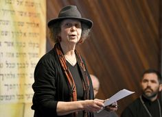 'Stand Against Hate' draws hundreds to Missoula synagogue