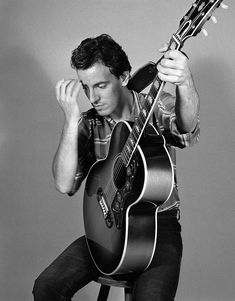 Bruce Springsteen, in mostra le foto dei suoi esordi The Boss Bruce, Be The Boss, Music Love, My Music, Elvis Presley, Bruce Springsteen The Boss, E Street Band, Hades, Rock And Roll