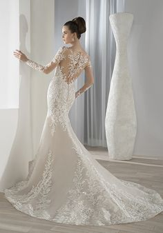 Demetrios Wedding Dress -Style 631 : This timeless lace fit n flare gown features an illusion scoop neckline and long sheer sleeves. Sexy Wedding Dresses, Wedding Dress Sleeves, Elegant Wedding Dress, Cheap Wedding Dress, Wedding Dress Styles, Designer Wedding Dresses, Bridal Dresses, Wedding Gowns, Ball Dresses