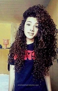 Wonderful 15 Ultra-chic Long Curly Hairstyles for Women – Pretty Designs  The post  15 Ultra-chic Long Curly Hairstyles for Women – Pretty Designs…  appeared first on  Emme's Hairstyles .