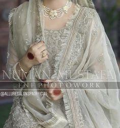 Asian Bridal Dresses, Bridal Mehndi Dresses, Nikkah Dress, Shadi Dresses, Pakistani Formal Dresses, Pakistani Wedding Outfits, Bridal Dress Design, Wedding Dresses For Girls, Pakistani Wedding Dresses