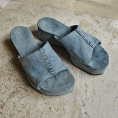 Handmade by Carolyn: Denim slides! Denim Slides, Buy Cheap, Upcycle, Slippers, Footwear, Refashioning, Curry Recipes, Continue Reading, Diy