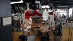www.fruitbonusfilms.com  Filmed in September 2012 at Specimen Products in Chicago IL. http://www.specimenproducts.com/  This video features owner/engineer Ian Schneller detailing the internal structures and functionality of his first ever upside down spinning double horn speaker.    Musical demonstration by Jim Elkington  CREDITS Directed by Fruit Bonus Director of Photography - Drew Wehde Camera Operator - Amanda Speva Camera Operator - Mark Pallman Camera Assist - Gary Maloof...
