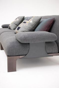 Sofas | Sitzmöbel | Fergana | Moroso | Patricia Urquiola. Check it out on Architonic