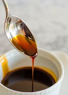 Pomegranate molasses is a syrup made from pomegranate juice and is a key ingredient in several Iranian dishes. Pomegranate Recipes, Pomegranate Juice, Pomegranate Molasses Dressing, Molasses Recipes, Molasses Cookies, Hemp Oil, Meals For One, Recipe Using, Milkshakes