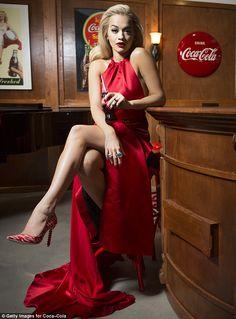 Rita Ora per la campagna pubblicitaria coca cola.