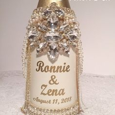 Bling Wedding Decorations, Wedding Centerpieces, Bedazzled Liquor Bottles, Diy Birthday Gifts For Friends, Chanel Birthday Party, Blush Centerpiece, Liquor Bottle Crafts, Decorative Bottles, Crystal Champagne