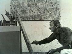 "Jasper Johns in zijn atelier in Stony Point, NY (foto: Hans Namuth). ""This home and studio, a rustic barn board farmhouse,. Famous Artists, Great Artists, Jasper Johns Paintings, Neo Dada, Painting Studio, Artist Profile, Process Art, Art Classroom, Art Portfolio"
