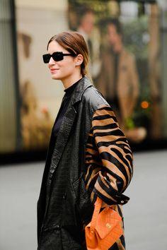 Milan fashion weeks 47921183523603349 - Milan Spring 2020 Fashion Week's Best Street Style Source by operinaz Gala Gonzalez, Street Look, Street Style, Leopard Print Outfits, Milan Fashion Weeks, Cool Street Fashion, Mode Style, Fashion Outfits, Womens Fashion