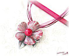 Brosa colier Floare cu perla grena Band, Accessories, Bead, Sash, Bands, Orchestra