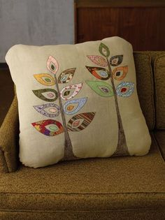 Sew Cushions I recently had the opportunity to talk with Meg McElwee about her new book, Sew Liberated: 20 Stylish Projects for the Modern Sewist . Applique Cushions, Patchwork Cushion, Sewing Pillows, Quilted Pillow, Sewing Appliques, Applique Patterns, Applique Designs, Sewing Patterns, Sewing Crafts