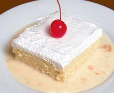 PASTEL 3 LECHES: Ingredientes: 5 huevos, separadas las claras de las yemas. 1 taza de azúcar 1/3 TAZA de leche 1 taza de harina de trigo cernida 2 cucharadas de polvo para hornear 1/2 de cucharada de crema tartara en polvo(si la tiene a la mano) Prepare su horno a 350 grados. fh Para hacer el dulce 1 lata de leche evaporada 1 lata de leche condensada 1 taza de crema 1 cucharadita de vainilla 1 cucharada de cogñac o ron Para hacer el Merengue 1 1/2 taza de azúcar 1/2 cuacharada de crema…