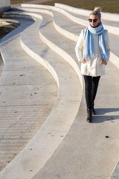 Rakkauden kielet - mietteitä parisuhteesta Raincoat, Jackets, Style, Fashion, Rain Jacket, Down Jackets, Swag, Moda, Fashion Styles