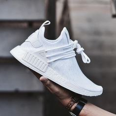 Adidas Women Shoes - Custom triple white ,Adidas Shoes Online, - We reveal the news in sneakers for spring summer 2017 Cute Shoes, Me Too Shoes, Women's Shoes, Shoe Boots, Dress Shoes, Shoes Men, Platform Shoes, Sneakers Mode, Sneakers Fashion