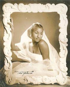 La joven Celia Cruz Famous Cubans, Puerto Rican Culture, Afro Cuban, Coloured People, Vintage Black Glamour, Black Actors, My Black Is Beautiful, Iconic Women, Interesting Faces