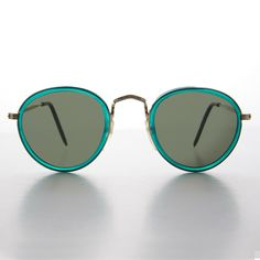 ec99d45db8b Green Round Preppy Vintage Sunglasses with Gold Frames - Maddie  affilink   vintagesunglasses  vintage