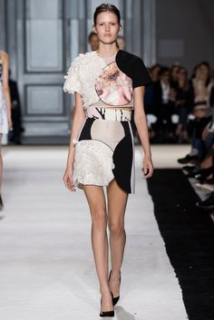 Giambattista Valli Spring 2015 Ready-to-Wear - Collection - Gallery - Look 1 - Style.com