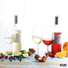 ¡Qué gran combinación! #fruit #wine #white #red                                                                                Disfruta de un consumo responsable. Prohibida la venta de alcohol a menores de 18 años.