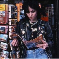 Joan jett with a magazine