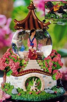 Scan from the Disney Catalog. Mulan Description: The delicate and graceful Mulan sits on a bench with her trusty friends, Cri-Kee the crick. Deco Disney, Walt Disney, Disney Home, Disney Fun, Disney Magic, Water Globes, Snow Globes, Disney Music Box, Chrissy Snow