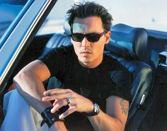 johnny Depp, waiting you in the car .. oh, came on, baby! it´s so late ...  ;-)