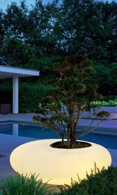 Easy Ways to Style Short Hair Women Backyard Lighting, Outdoor Lighting, Outdoor Decor, Urban Furniture, Street Furniture, Backyard Garden Design, Backyard Landscaping, Stone House Plans, Outdoor Shelters