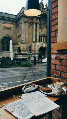 College study tips and motivation Studyblr, Study Space, Study Areas, Coffee And Books, Coffee Study, Study Hard, Work Hard, Book Aesthetic, Coffee Shop Aesthetic
