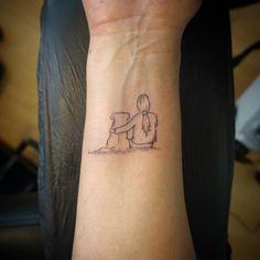Einfaches Tattoo fürs Handgelenk, welches eine grosse Liebesgeschichte erzählt. ♥️ Tattoos, Love Story, First Tattoo, Tatuajes, Japanese Tattoos, Tattoo, Tattoo Illustration, A Tattoo, Tattos