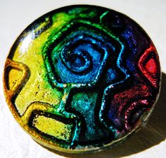Metal buttons colored with alcohol ink and sealed with resin - by Lovinglf