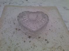 Valentines Day Heart Shaped Glass Candy Trinket Jewelry Dish Cut Design